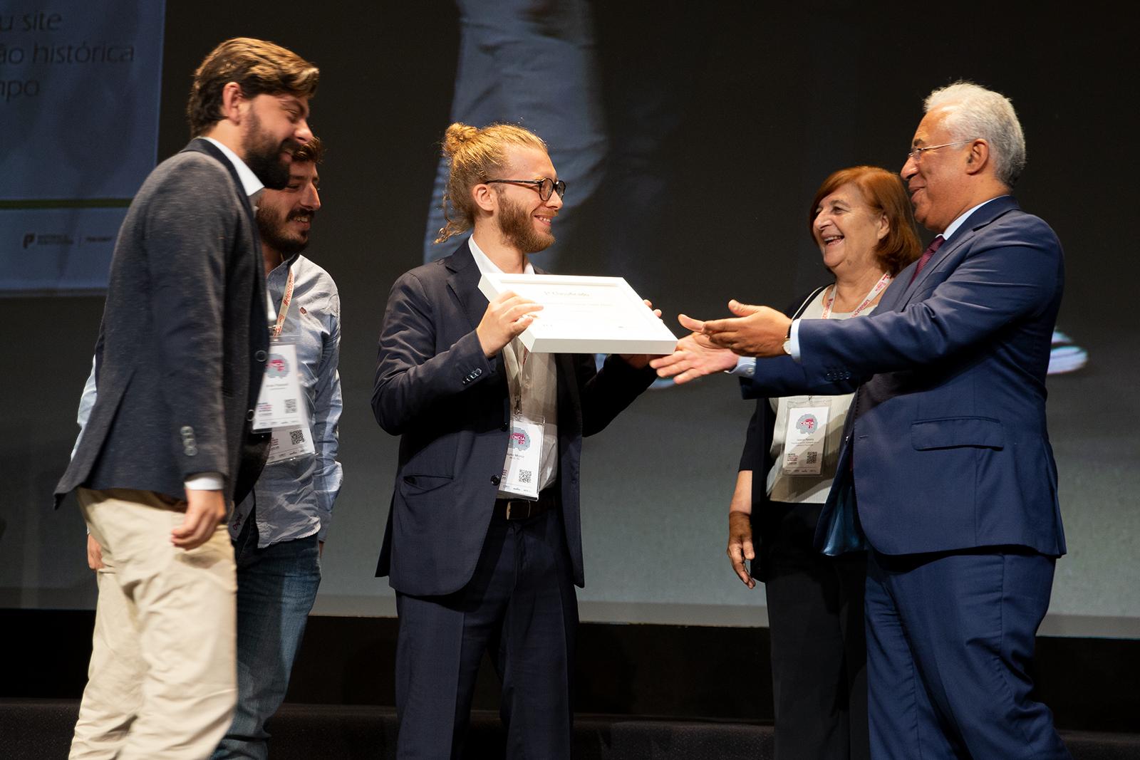 1º classificados do Prémio Arquivo.pt 2019: entrega do certificado pelo Primeiro Ministro António Costa