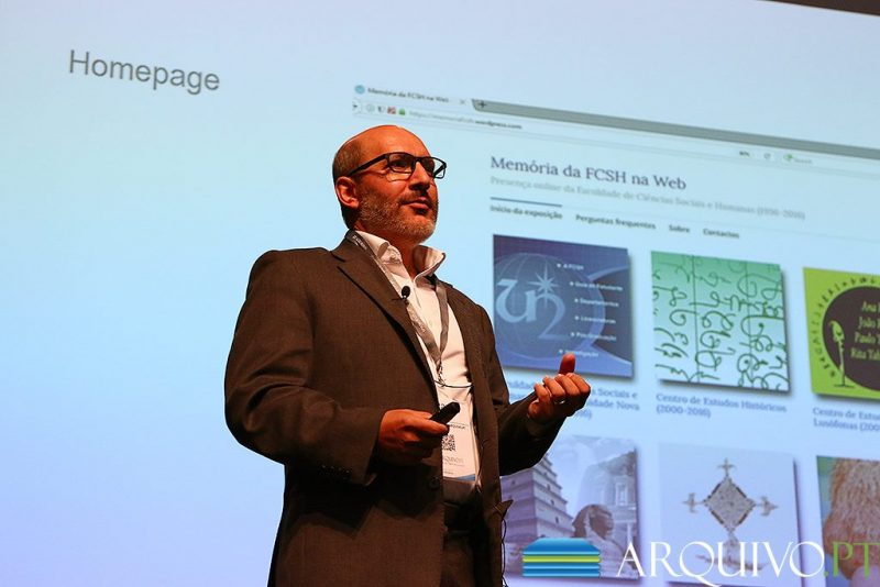 Photo of Ricardo Basílio researched FCSH related web pages, from Arquivo.pt, to create a virtual exhibition